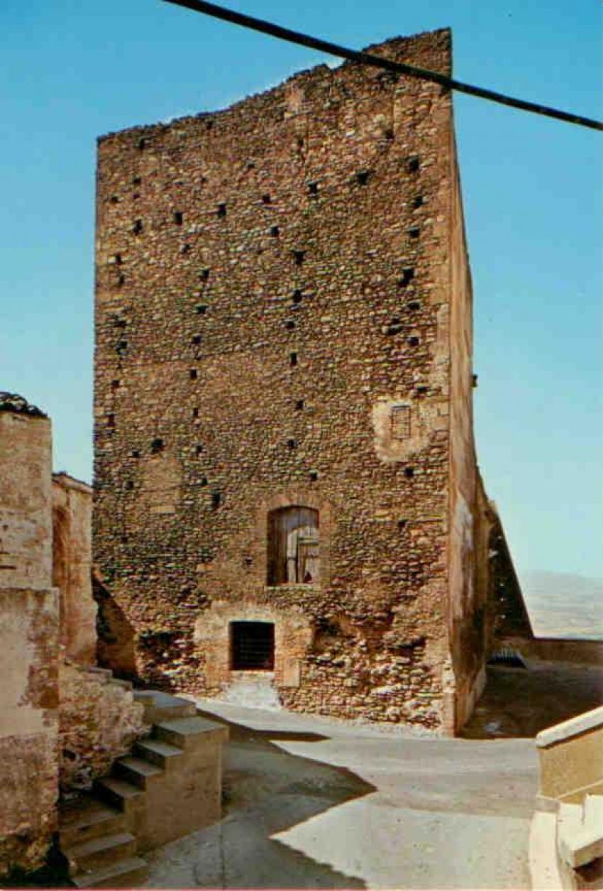 Salviamo l'antico Castello di Pisticci nel rione Terravecchia