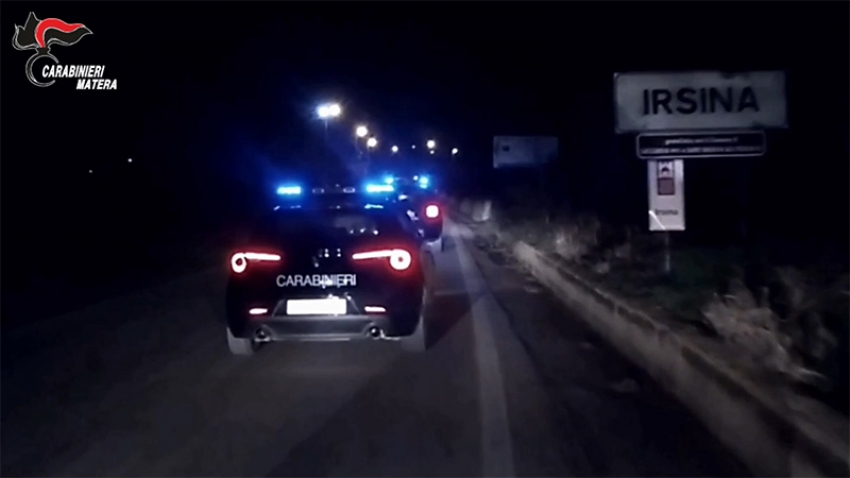 """Operazione """"Coppia di Regine"""" contro 2 gruppi criminali dediti al narcotraffico nelle provincie di Matera e Bari"""
