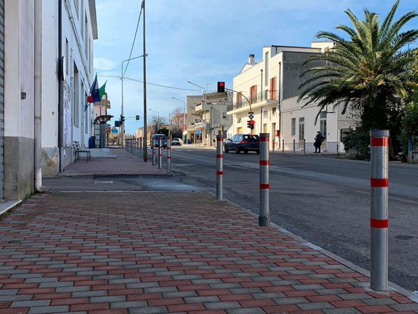 Completati i lavori di rifacimento dei marciapiedi di viale Jonio a Tinchi