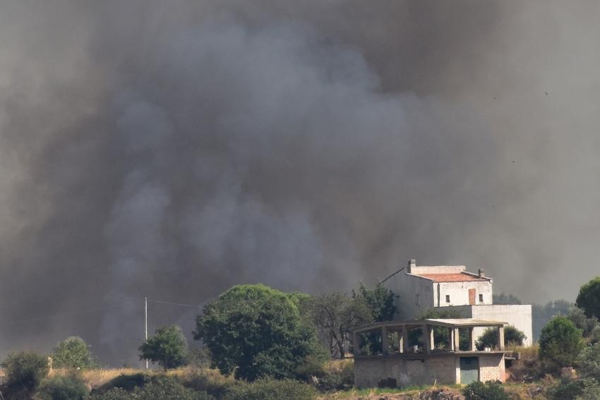 """Incendio circoscritto, monitoraggio in corso. Sindaca Verri: """"Atto criminale"""""""