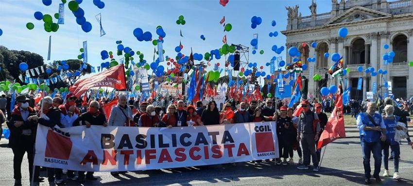 """""""Mai più fascismi"""": a Roma una folta delegazione della Cgil Basilicata"""