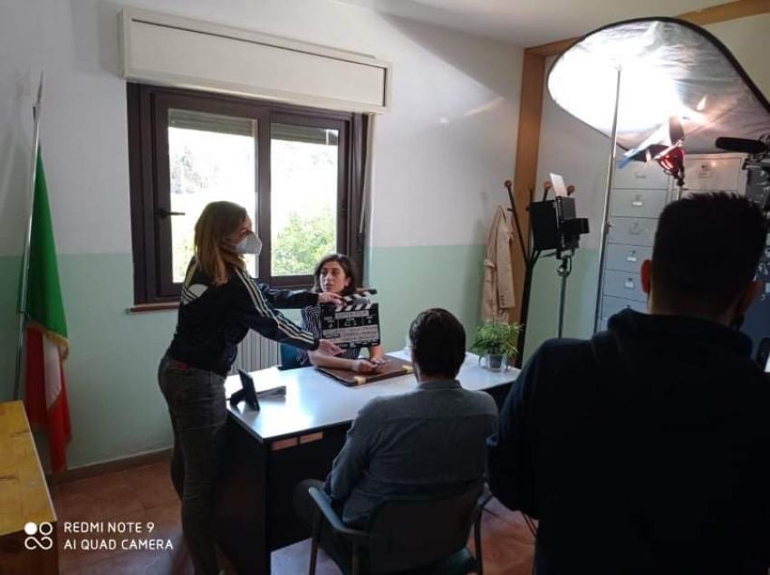 Grazia Leone, attrice bernaldese, torna in scena a Matera sul set con Imma Tataranni sostituito procuratore 2