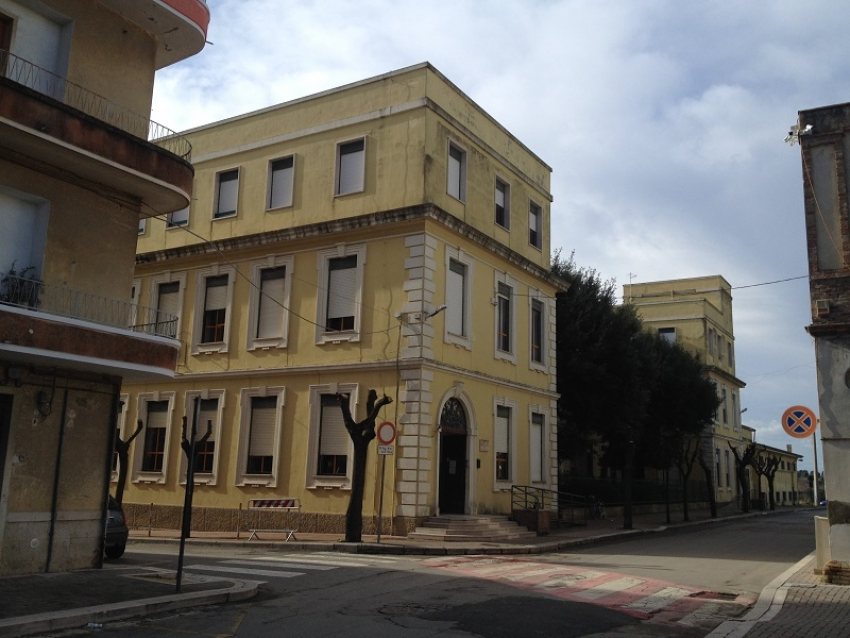 Insegnante positiva al Covid-19, chiuse scuole elementari a Bernalda. Il sindaco Tataranno dispone anche chiusura serale di piazza Plebiscito