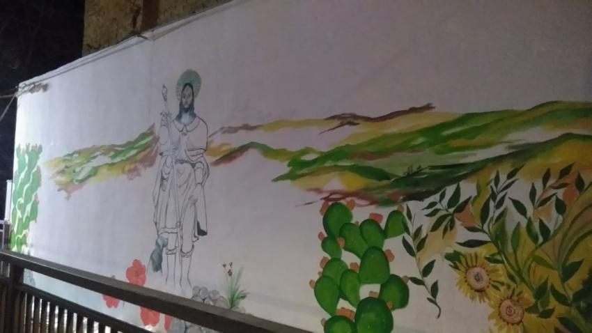 Un murales nel centro di Pisticci. In corso l'opera voluta da Teresa Santeramo e altri collaboratori