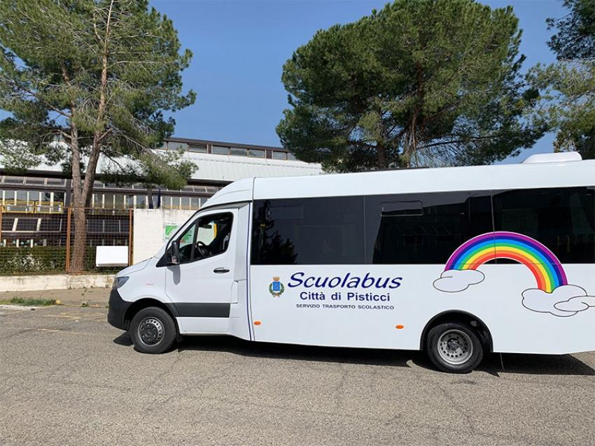 Il comune di Pisticci si dota di due nuovi scuolabus