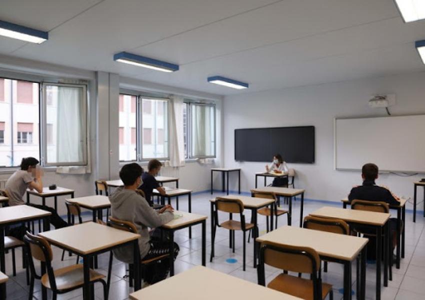 Cgil: 'Fare di tutto per coniugare il diritto all'istruzione e alla sicurezza  per tutta la comunità scolastica'