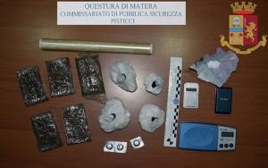 Sorpresi con droga in auto, arrestati dalla Polizia due giovani di Marconia