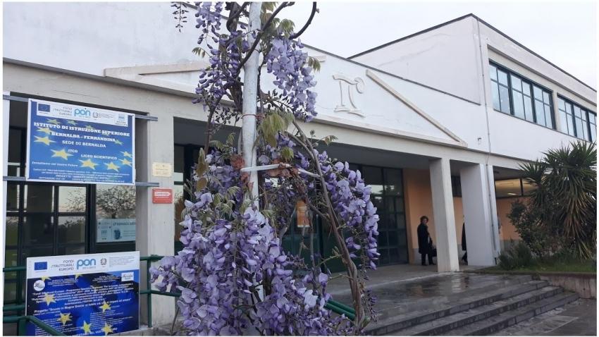 Bernalda, tamponi rapidi agli studenti dell'IIS Bernalda-Ferrandina - Liceo
