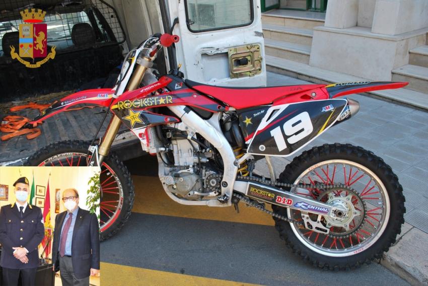 Guardia giurata consente recupero di una moto cross. Il Questore elogia comportamento virtuoso